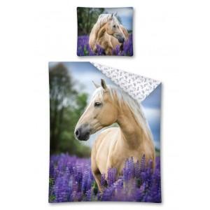 Obliečky na detskú posteľ s koňom v levanduľovom polí