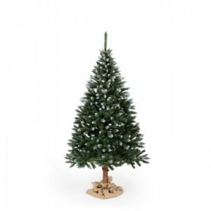 Vianočný stromček smrek s imitáciou snehu na koncoch vetvičiek