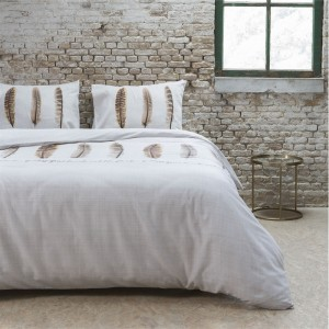 Elegantné posteľné obliečky 200x220 s motívom pierok