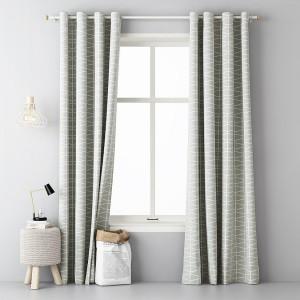 Luxusné hotové závesy v svetlo sivej farbe s bielym jednoduchým vzorom