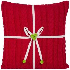 Červená obliečka na vankúšik s pletenom motíve