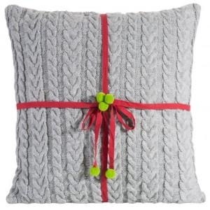 Pletená obliečka na vankúšik v sivej farbe