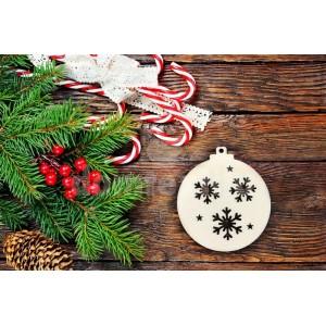 Vianočná guľa na stromček s vyrezávanými vločkami