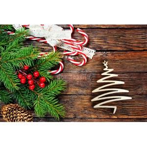 Drevená ozdoba v tvare vianočného stromčeka