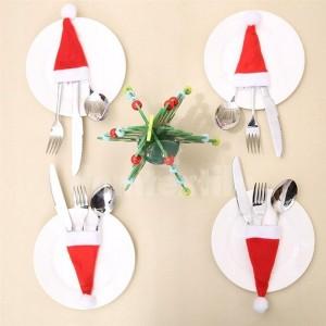 Malé vianočné čiapky na príbor