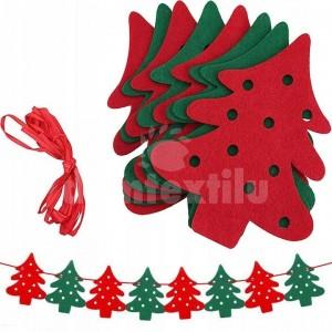 Vianočná girlanda zložená z ôsmich stromčekov