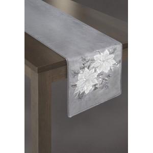 Behúň na stôl široký 33cm v striebornej farbe s bielymi kvetmi