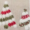 Vianočná štóla na stôl v červenej farbe s tromi stromčekmi