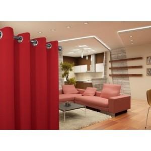 Moderné závesy do spálne v červenej farbe