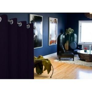 Jednofarebné moderné závesy v granátovej farbe do obývačky