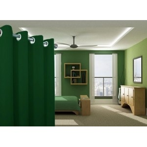 Jednofarebné závesy v tmavo zelenej farbe do detskej izby