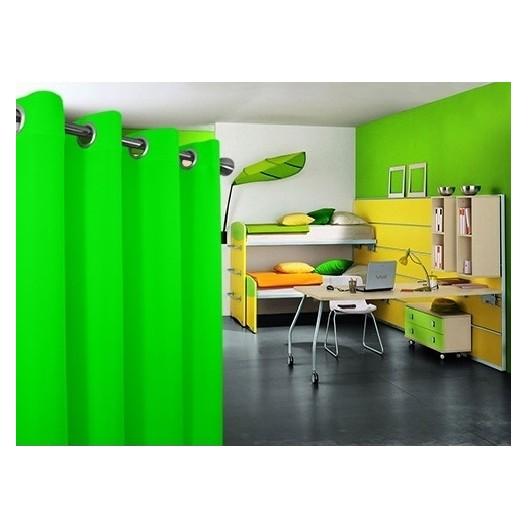 Pestré zelené závesy vhodné do spálne