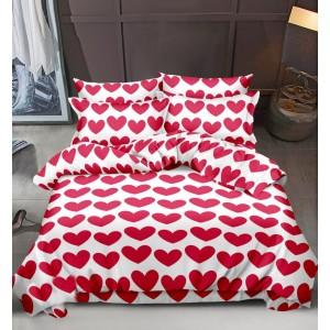 Posteľné obliečky bielej farby s motívom červených srdiečok