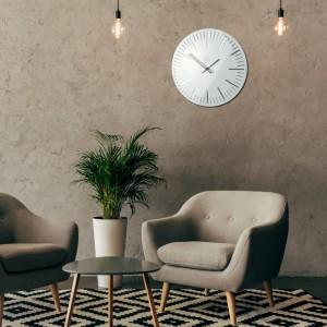 Biele štýlove hodiny na stenu do obývacej izby