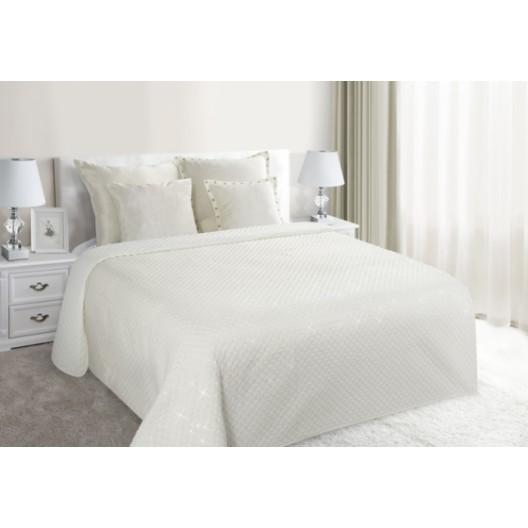 Luxusné prikrývky na posteľ krémovej farby