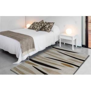 Krémový koberec do spálne s moderným vzorom