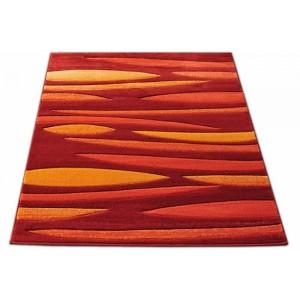 Červeno oranžový koberec na chodbu