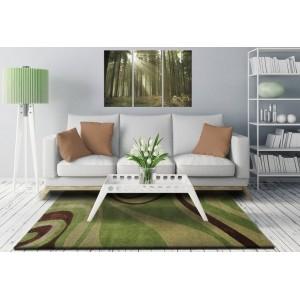 Zelené koberce do obývacej izby s hnedými vzormi