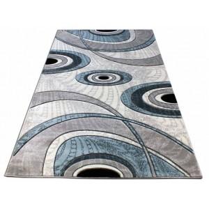 Modrý koberec v tvare obdĺžnika