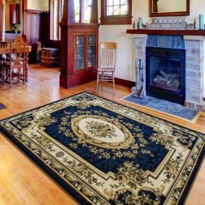 Tmavo modrý luxusný koberec do obývacej izby