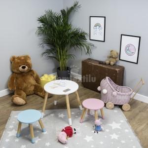 Jednoduchý detský stolík so stoličkami