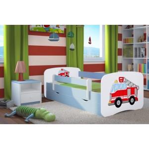 Chlapčenské postele modrej farby s hasičským autom