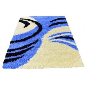 Modrý koberec shaggy pazúriky
