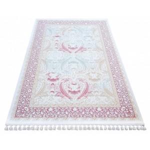 Kvalitný koberec s luxusným vzorom