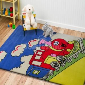 Veselý detský koberec s vláčikom