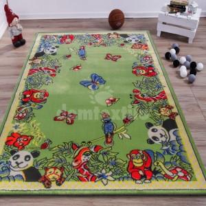 Originálny zelený koberec s motívom zvierat