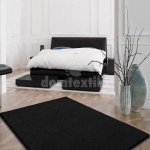Čierny SHAGGY koberec s dlhým vlasom