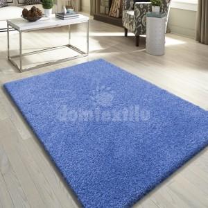 Kvalitný modrý koberec do obývačky