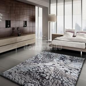 Hnedý koberec s exkluzívnym vzorom