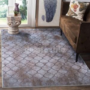 Béžovo hnedý koberec s ornamentom