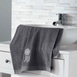 Trendový bavlnený uterák sivý s lapačom snov