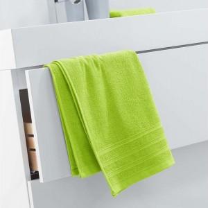 Trendový uterák jasnej zelenej farby