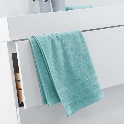 Bavlnený uterák v trendy mentolovej farbe