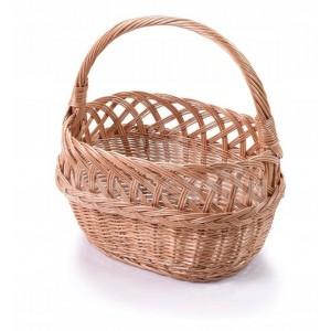 Pletený košík s ozdobným okrajom na Veľkú noc