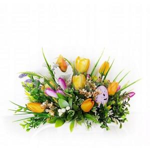 Dekorácia na veľkonočný stôl s tulipánmi
