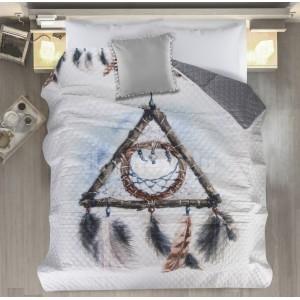 Sivo biely prehoz na posteľ s lapačom snov