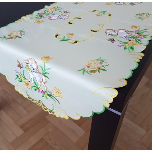 Veľkonočný vyšívaný obrus bielej farby