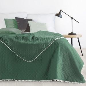 Moderná jednofarebná prikrývka na posteľ zelenej farby