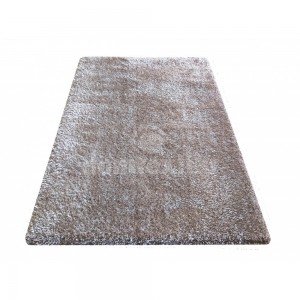 Kvalitný koberec s dlhým vlasom vo farbe cappuccino