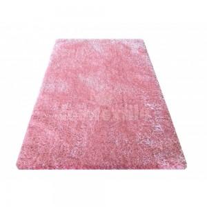 Moderný koberec púdrovo ružovej farby