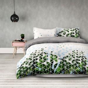 Biele posteľné obliečky s moderným vzorom