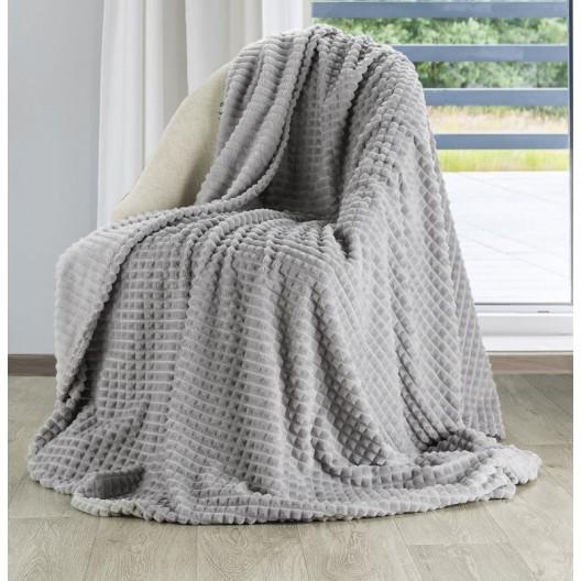 Hrejivá hrubá deka z mikrovlákna v sivej farbe so vzorom