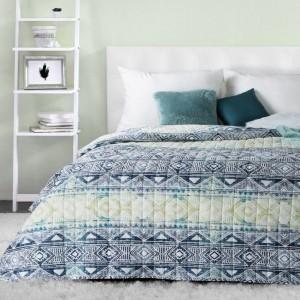 Krásny obojstranný prehoz na posteľ s etno vzormi