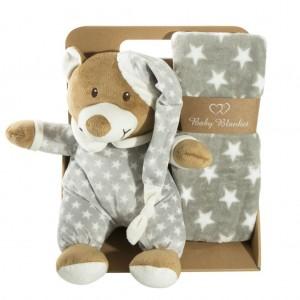 Teplá sivá detská deka s hračkou zabelaná v elegantnej krabici