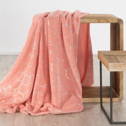 Trendy korálovo ružová hrejivá deka so strieborným geometrickým vzorom