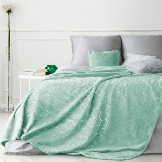 Luxusná hrejivá deka v trendy mentolovej farbe so strieborným vzorom